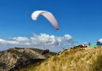 Paragliding in Àger